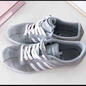 Woman Adidas Sneaker